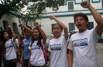 The five PUP student leaders after their release (photo by Janess Ann J. Ellao/Bulatlat).